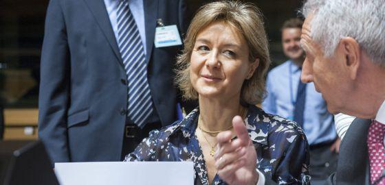 La titular española de Agricultura, Isabel García Tejerina, este jueves en Luxemburgo.